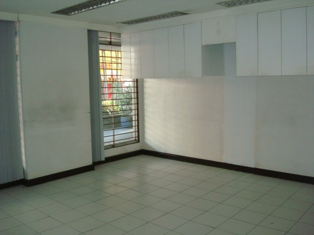 167sqm Office space for rent in Rockwell Center
