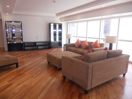 &nbsp;Apartment for Sale&nbsp;309sqm<br>&nbsp;Salcedo Village, Makati City<br>&nbsp;PHP36,000,000.00
