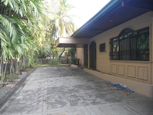 5BR House with Pool for Rent in Dasmarinas Village, Makati City